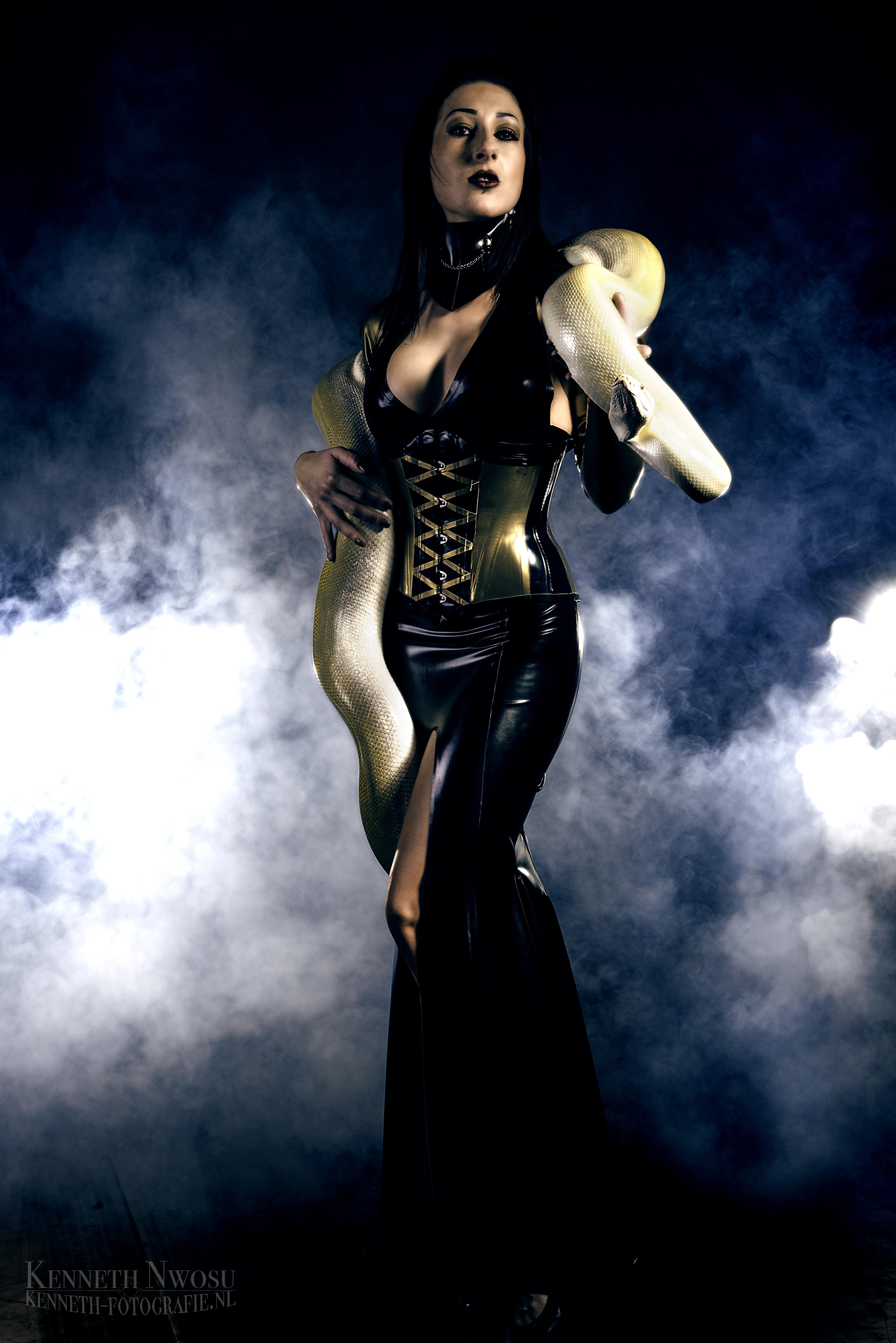 Latex shoot mistress Anita Divina
