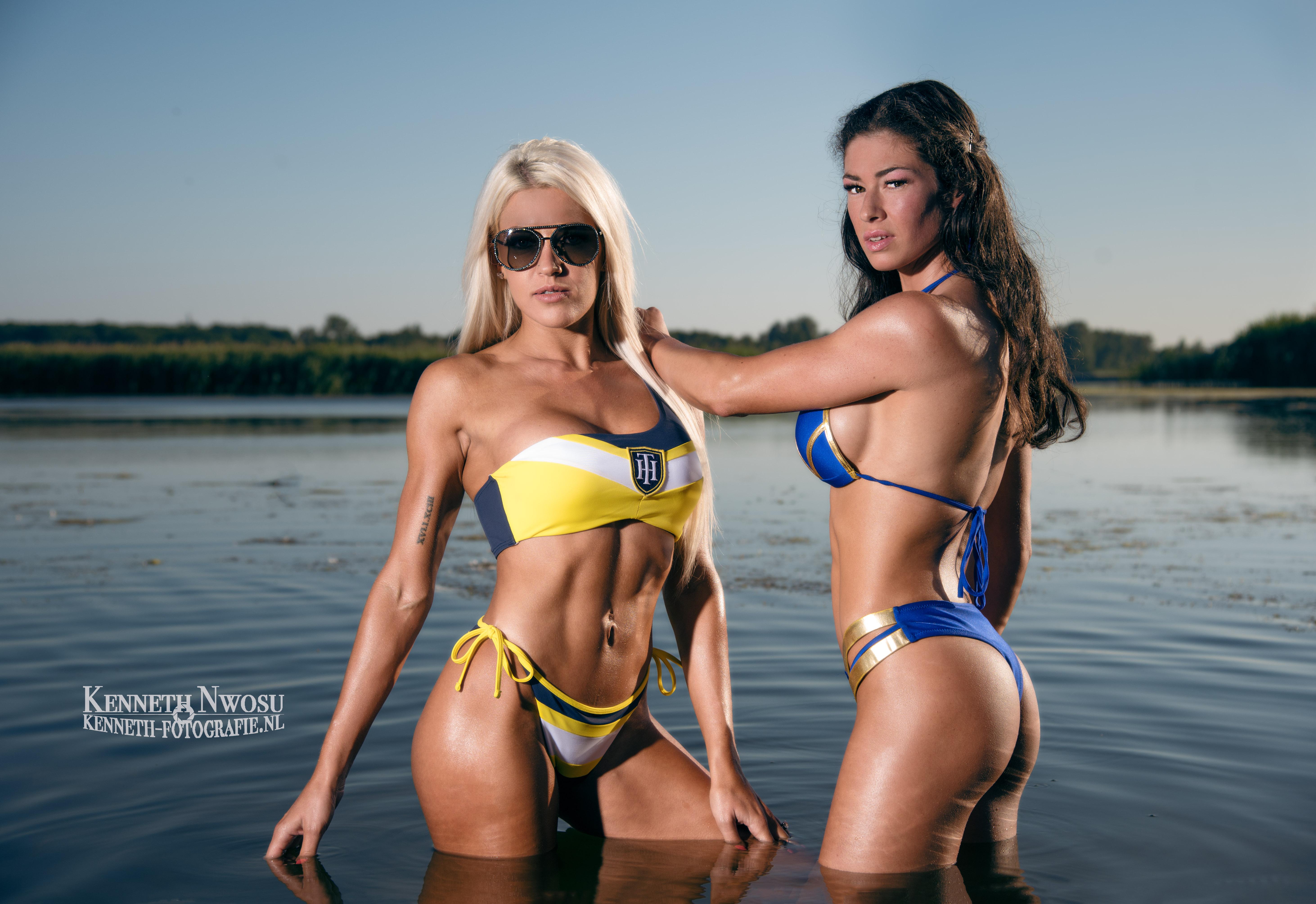 Strand fotoshoot met Maaike en Agnese