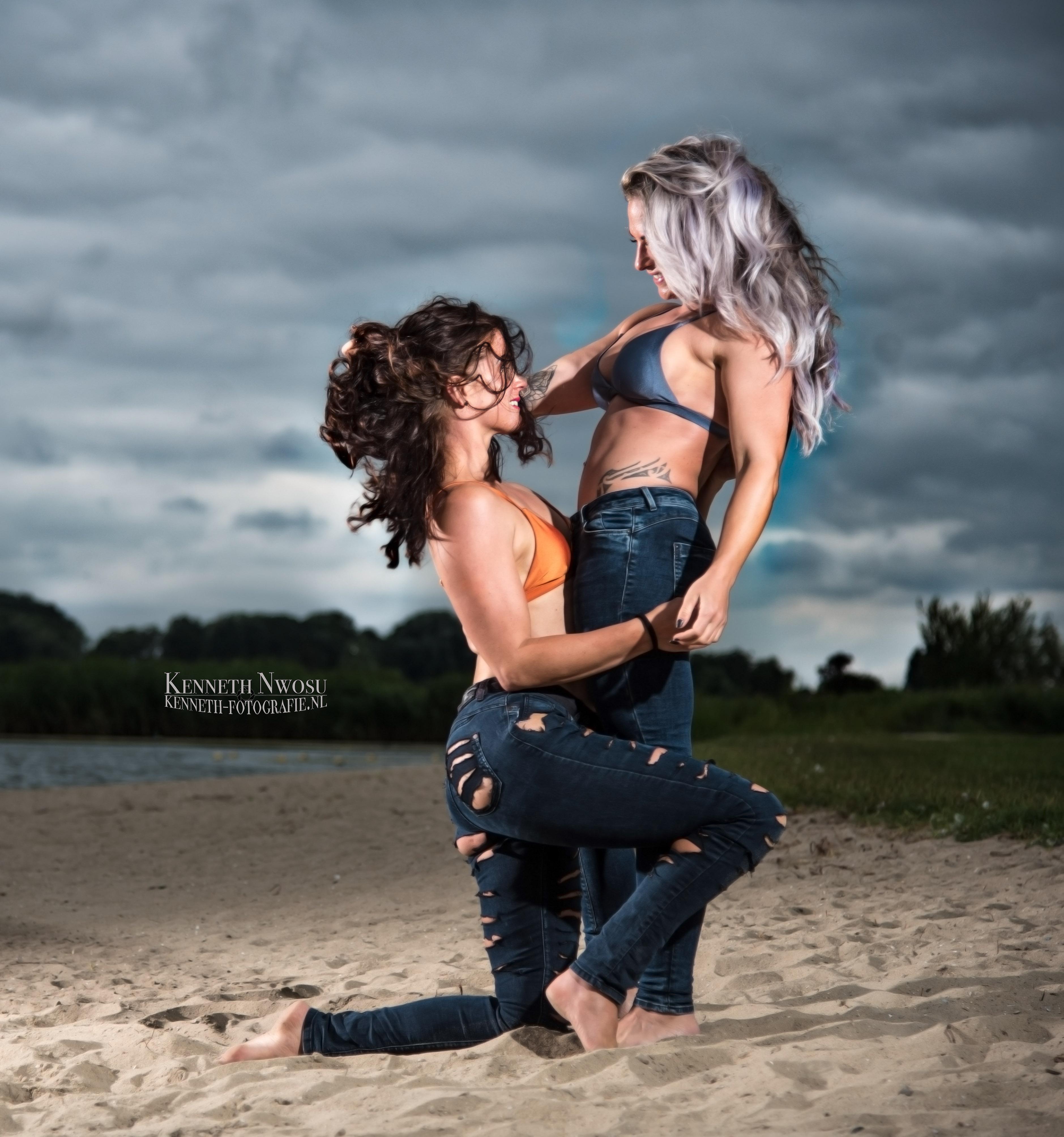 Strand fotoshoot met Marieke en Bernice
