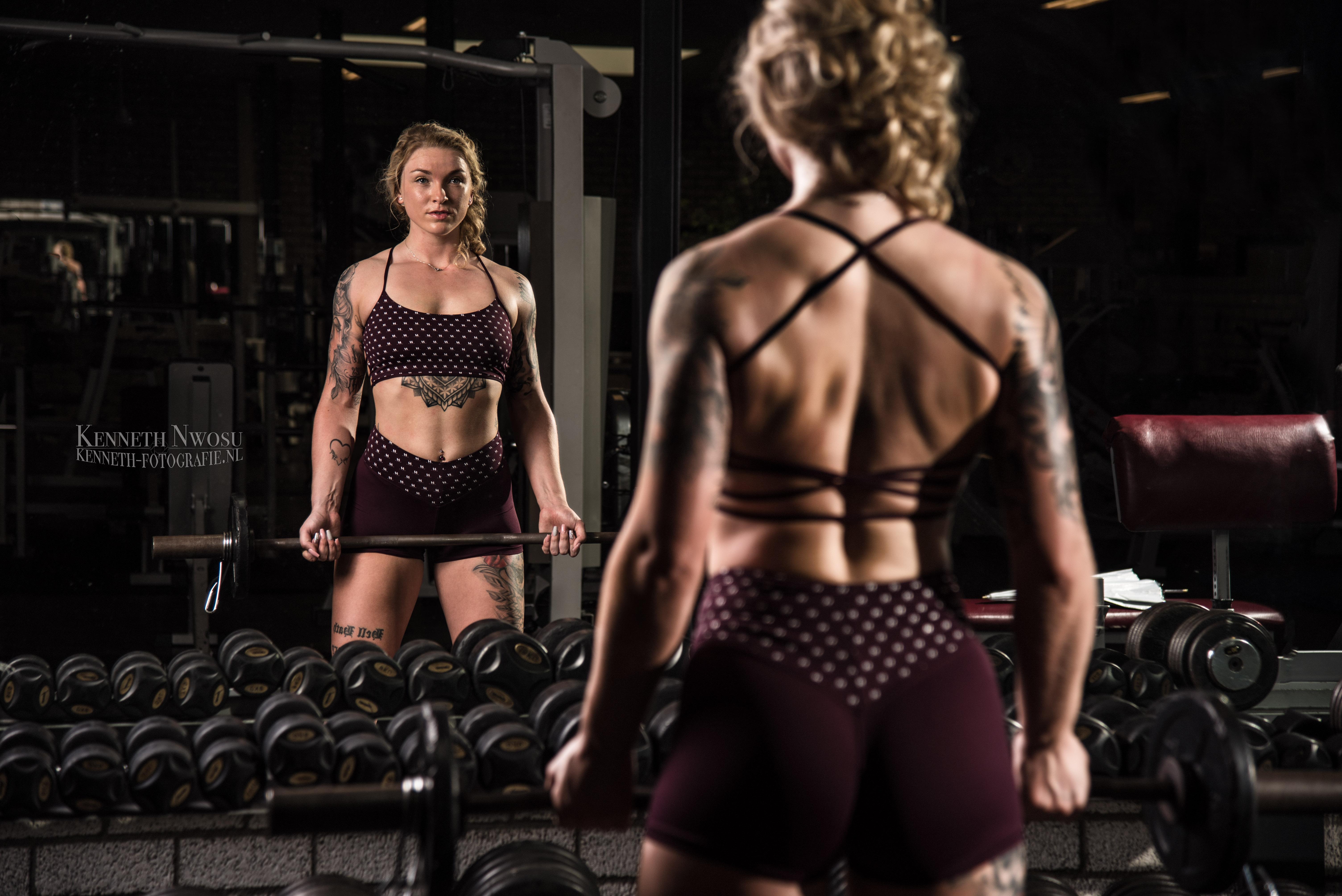 Fitness fotoshoot in de sportschool met Mandy