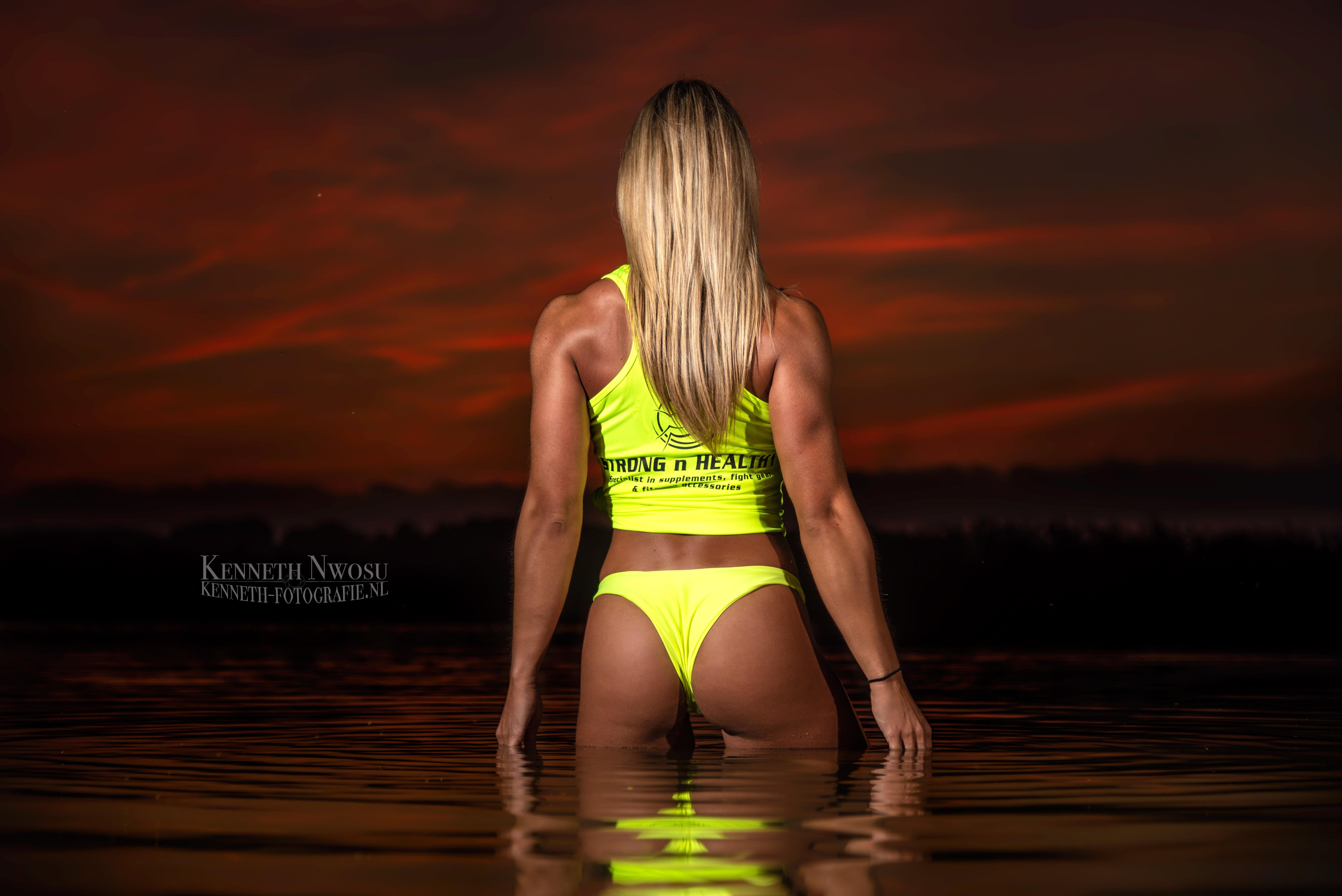 Fitness on the beach shoot met Samantha